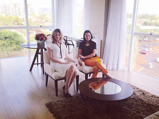 A consultora de moda Kassandra Valduga e a psicóloga Karina Leiko ministram o curso